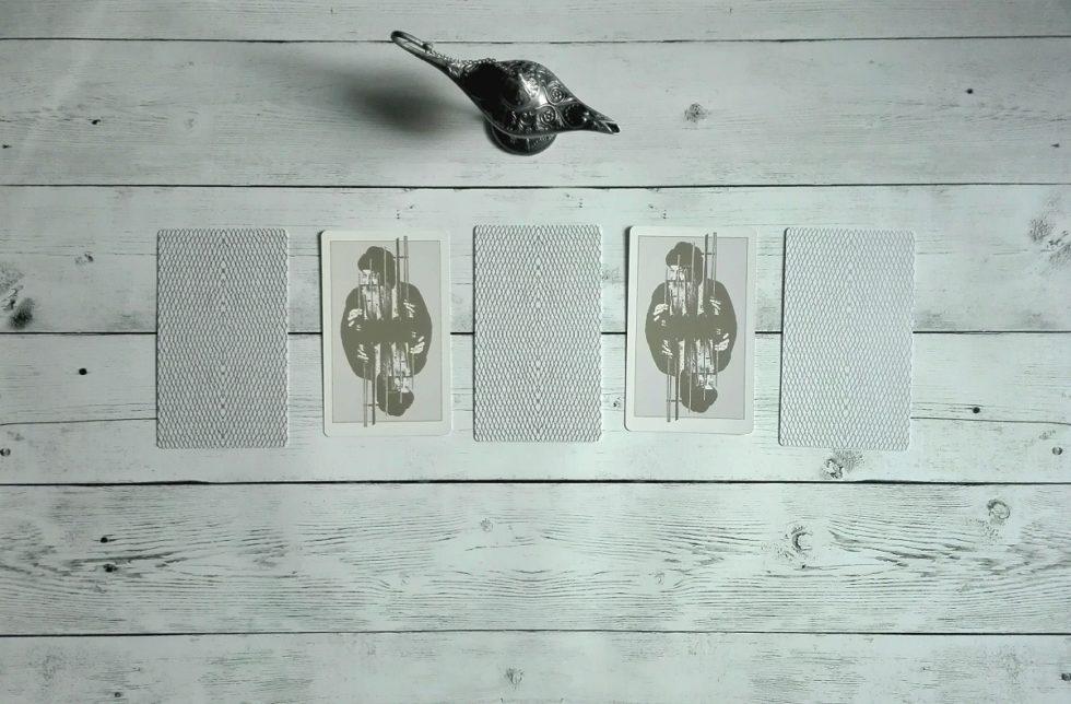 scegli una carta 9